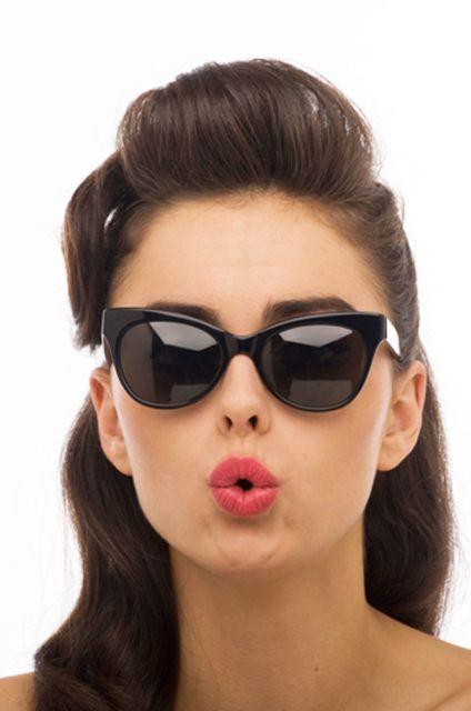 09afb0f4f Os modelos ideais de óculos para o seu rosto. - Eliziê Ribeiro